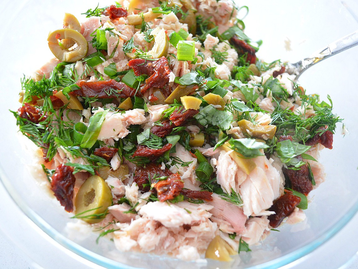 Mediterranean Tuna Salad - Fresh and Fit
