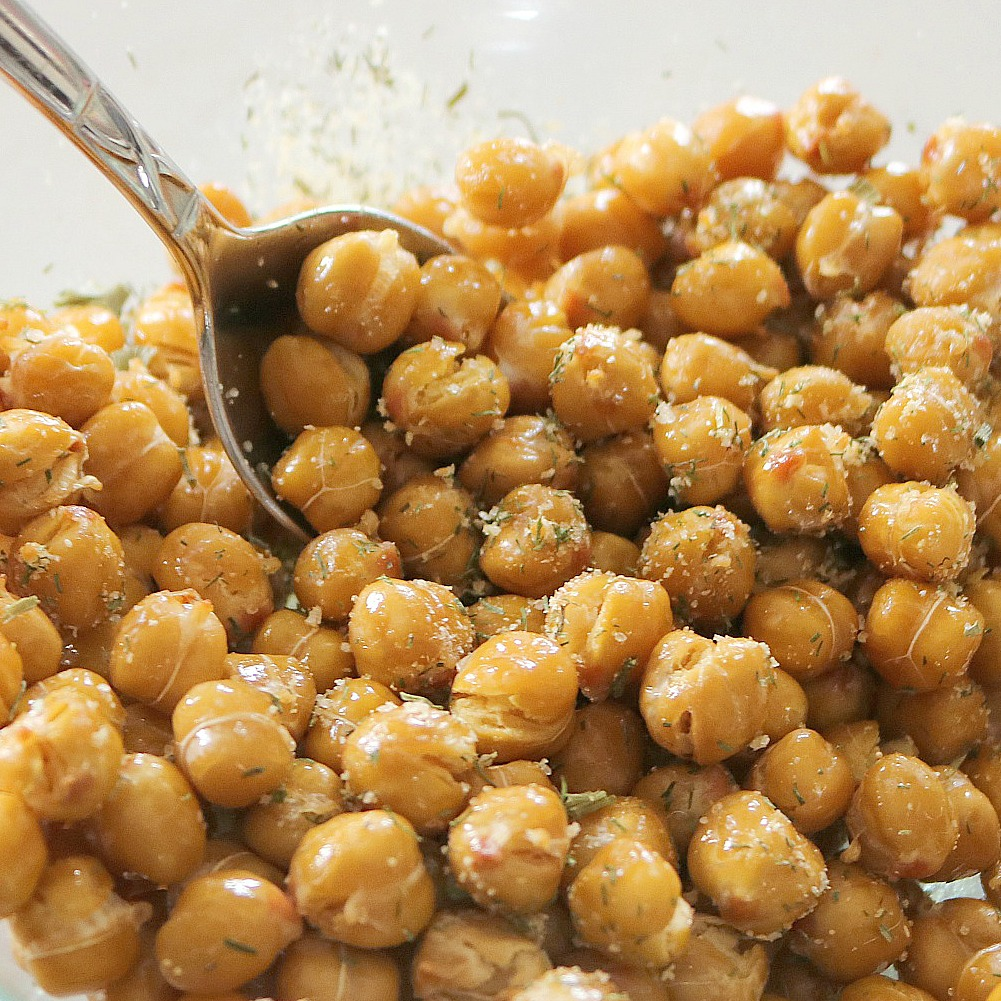 Crispy Ranch Roasted Chickpeas